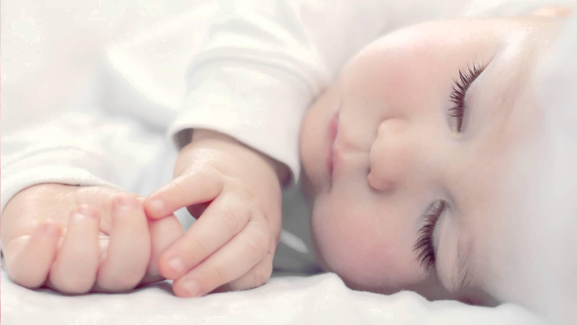 sonno-neonato-poster